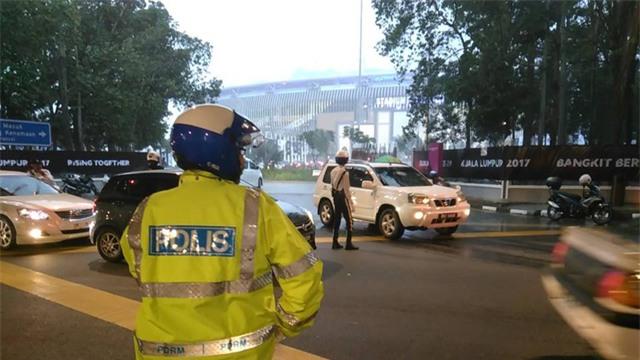 Mặc dù Ban tổ chức khuyến cáo người hâm mộ nên tới sân từ sớm, nhưng giao thông tại Kualar Lumpur khá thông thoáng, ảnh: Q.H