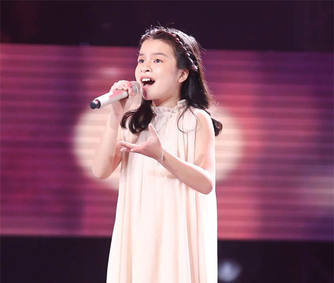 tan chay voi giong ca 11 tuoi hat dan ca tai the voice kids hinh anh 3
