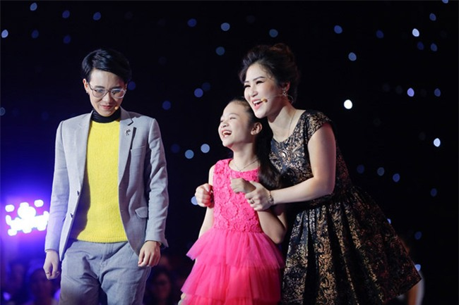 tan chay voi giong ca 11 tuoi hat dan ca tai the voice kids hinh anh 6