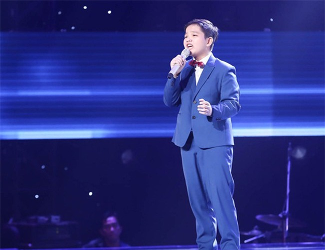 tan chay voi giong ca 11 tuoi hat dan ca tai the voice kids hinh anh 8