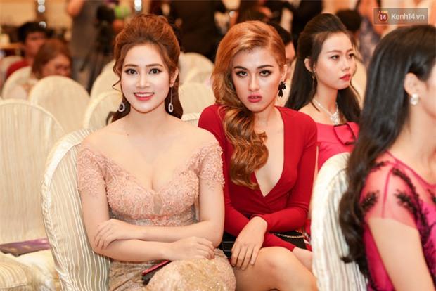 Bất ngờ trước vẻ ngoài kém sắc, già dặn của loạt thí sinh Hoa hậu Hoàn vũ Việt Nam 2017 ngoài đời thật - Ảnh 7.