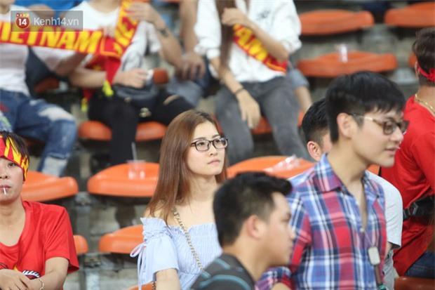 Công Phượng ghi bàn đẳng cấp, U22 Việt Nam lại thắng tưng bừng - Ảnh 2.