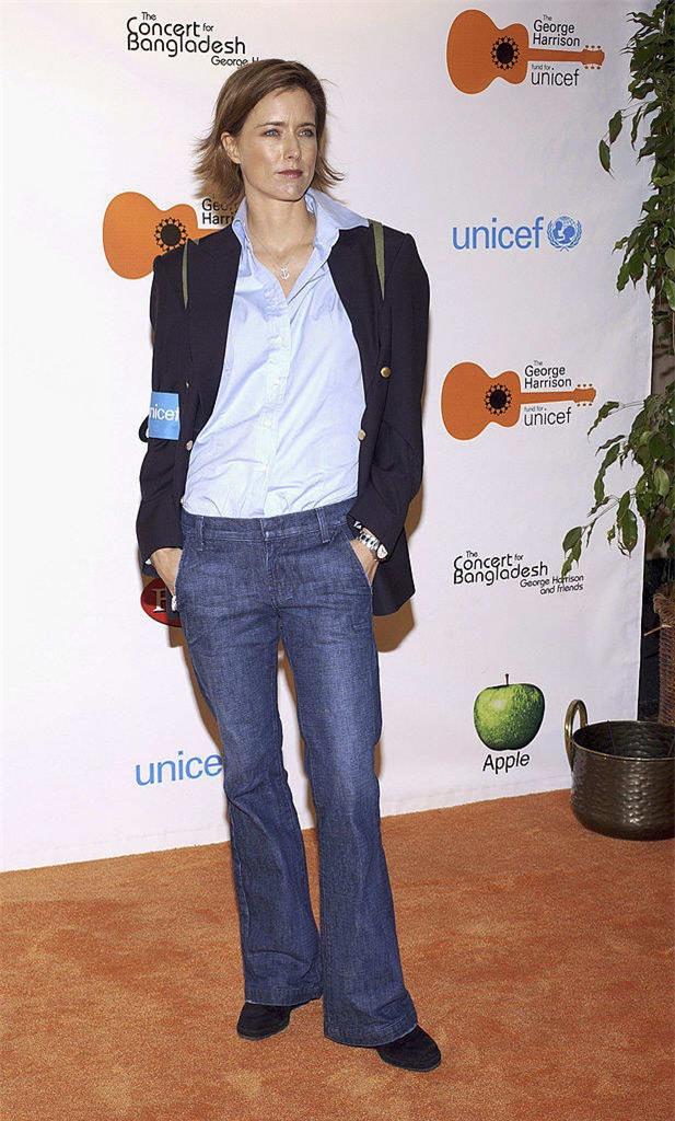 gai tre khoc thet khi biet kieu quan jeans sanh dieu nhat nam 2000 - 4
