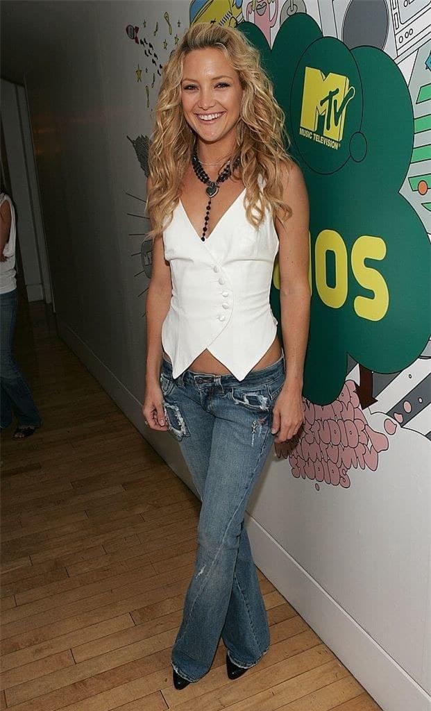 gai tre khoc thet khi biet kieu quan jeans sanh dieu nhat nam 2000 - 7