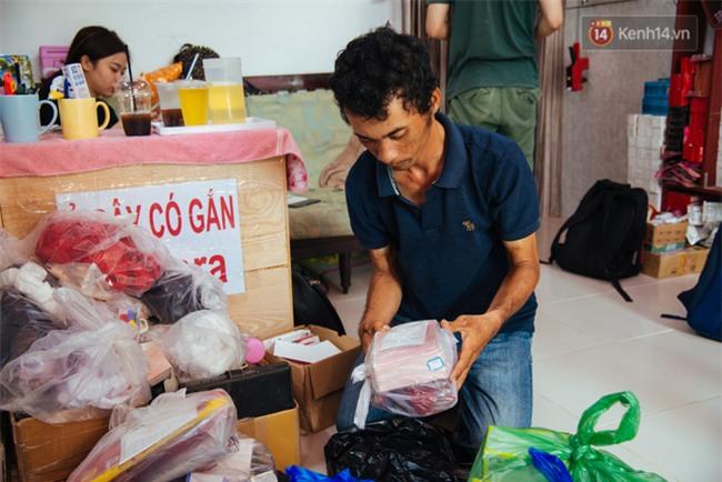 Chuyện cảm động về anh shipper khuyết tật giọng nói, đạp xe hàng chục km mỗi ngày để giao hàng khắp Sài Gòn - Ảnh 10.