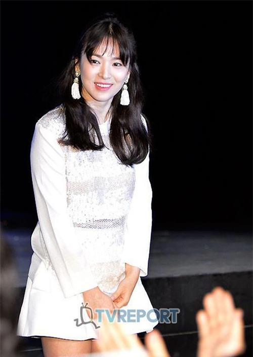 Những kiểu tóc một thời thương nhớ của cô dâu tương lai Song Hye Kyo-13