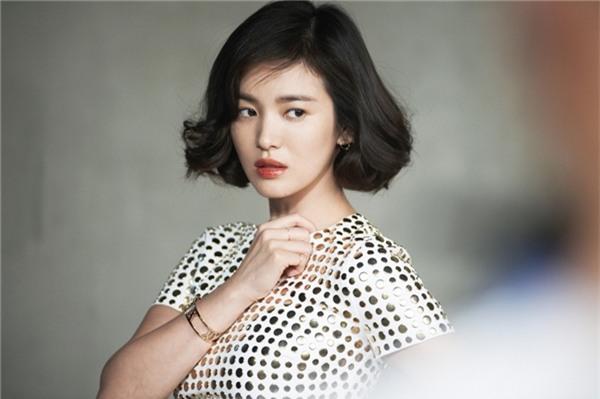 Những kiểu tóc một thời thương nhớ của cô dâu tương lai Song Hye Kyo-7