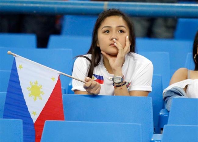 Công Phượng ghi siêu phẩm: Fan nữ xinh Philippines ngẩn ngơ - 9
