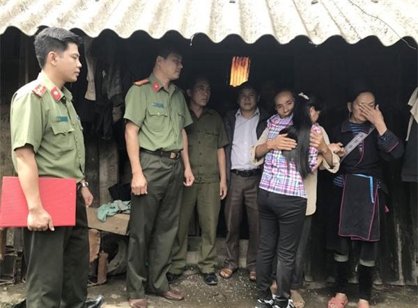 Em Sùng Thị S đã được đoàn tụ cùng gia đình sau thời gian hơn 4 tháng bị lừa bán sang Trung Quốc .