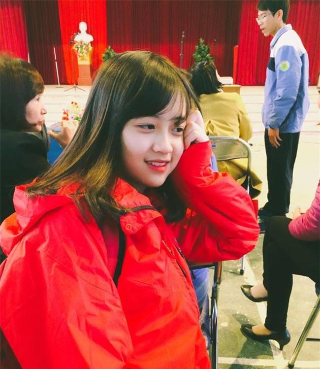 Chưa nhập học, tân sinh viên Học viện Hàng không đã nổi tiếng nhờ ngoại hình xinh đẹp - Ảnh 3.