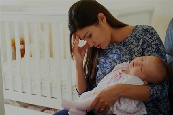Mới sinh con nhưng mình đã bị chồng hắt hủi đến mức bục vết mổ - Ảnh 2.