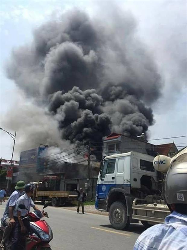 Hơn 20 ngày giành lại sự sống của chàng trai bị cháy ở xưởng bánh kẹo khiến 8 người tử vong - Ảnh 5.