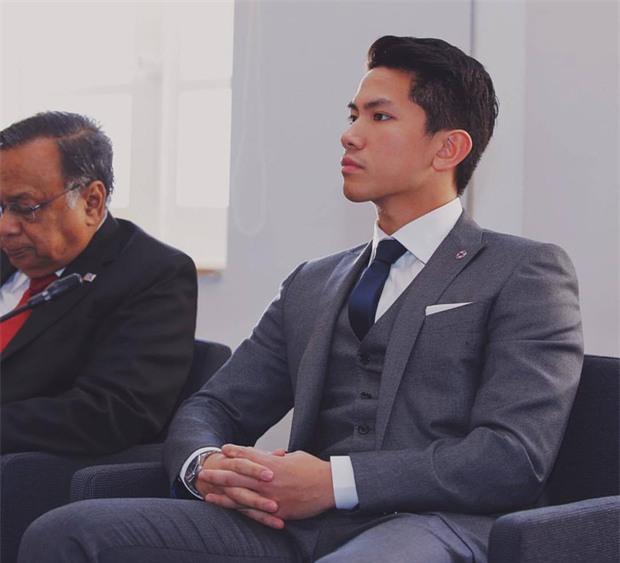 Hoàng tử Brunei khiến fan nữ phát cuồng ở SEA Games 29 vì quá đẹp trai và nam tính - Ảnh 10.