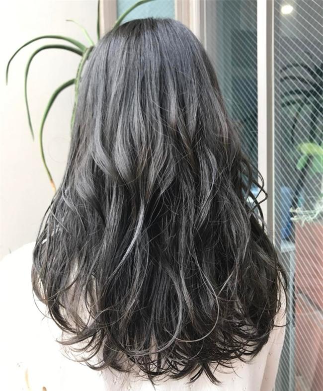 4 màu tóc khói mà nàng công sở nhuộm thoải mái không sợ nổi - Ảnh 11.