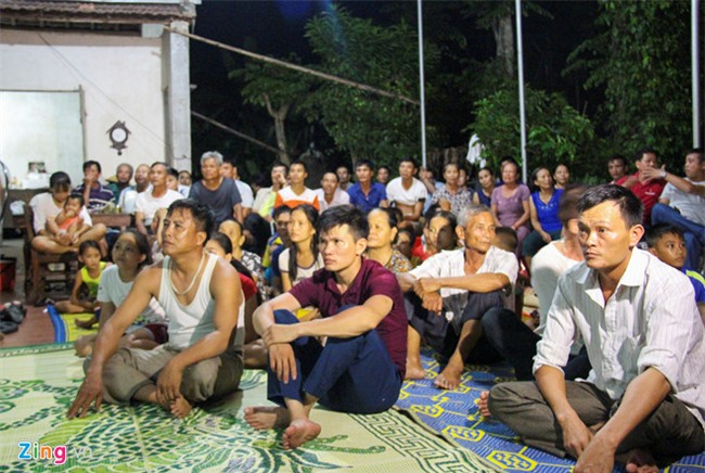 Bo Cong Phuong: 'Tu hao vi con choi nhiet tinh tu dau den cuoi tran' hinh anh 1