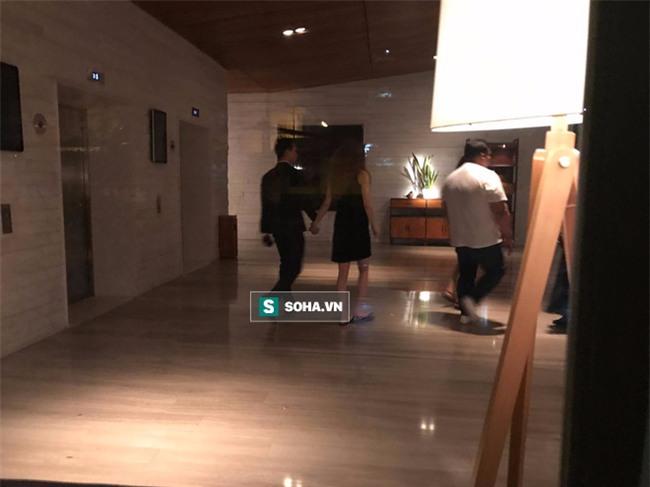 Video Hà Hồ nắm tay Kim Lý cùng về nhà, chính thức công khai quan hệ yêu đương - Ảnh 5.