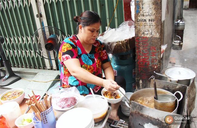 Ở Hà Nội có một món bún rất lạ: đầy ắp thịt bò mà chỉ có 25k-5