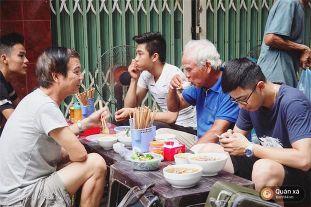 Ở Hà Nội có một món bún rất lạ: đầy ắp thịt bò mà chỉ có 25k-6