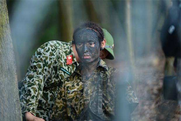Sao nhập ngũ: Mai Ngô hoang mang khi phải tắm chung, mong được make-up khi ghi hình - Ảnh 8.
