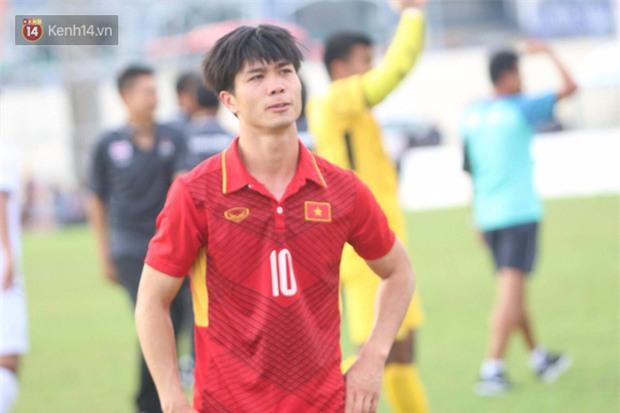 Công Phượng mắt đỏ hoe trong ngày U22 Việt Nam chia tay SEA Games 29 - Ảnh 11.