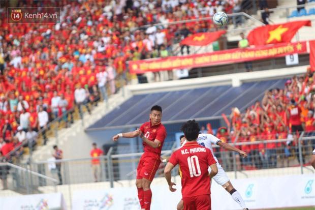 Công Phượng mắt đỏ hoe trong ngày U22 Việt Nam chia tay SEA Games 29 - Ảnh 5.
