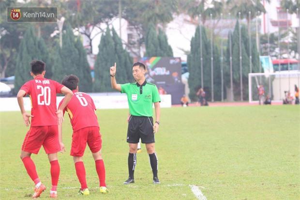 Công Phượng mắt đỏ hoe trong ngày U22 Việt Nam chia tay SEA Games 29 - Ảnh 6.