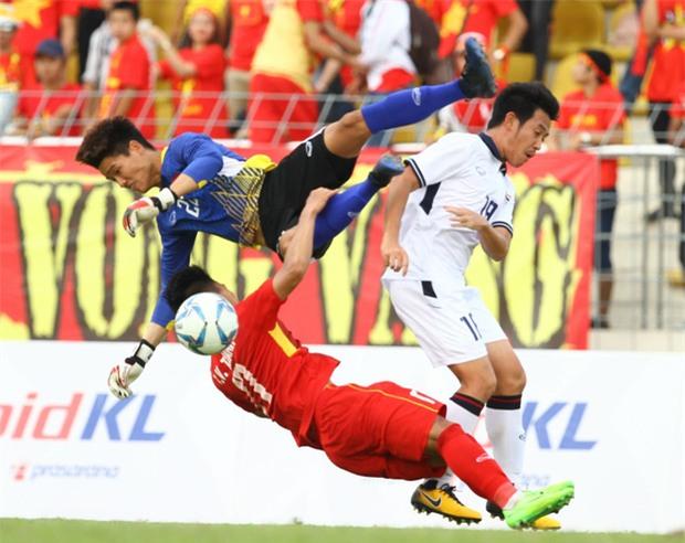Công Phượng mắt đỏ hoe trong ngày U22 Việt Nam chia tay SEA Games 29 - Ảnh 7.