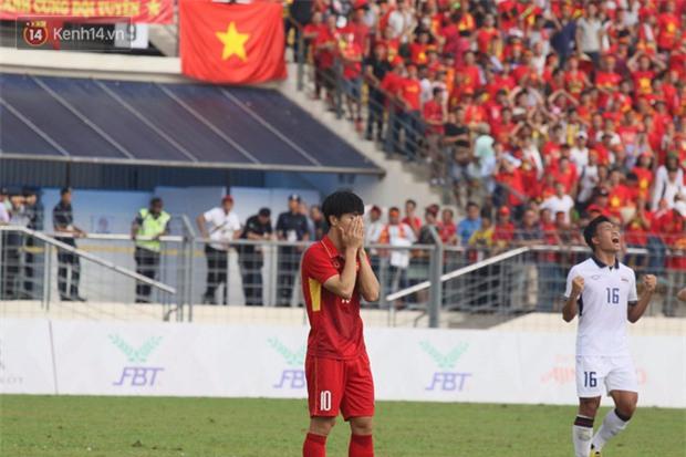Công Phượng mắt đỏ hoe trong ngày U22 Việt Nam chia tay SEA Games 29 - Ảnh 10.