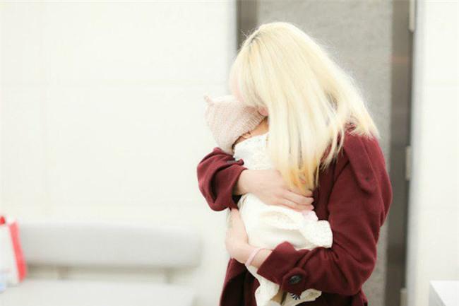 Bé gái 2 tháng tuổi tử vong khi ngủ cùng mẹ - thêm lời cảnh báo về hội chứng đột tử ở trẻ sơ sinh - Ảnh 2.