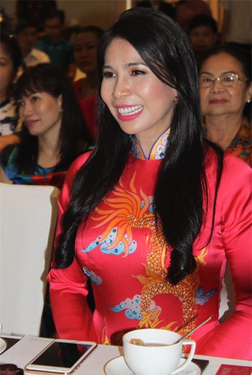 chuyện làng sao,sao Việt,em gái Lý Hùng,Lý Hương