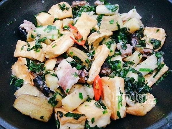 Món lươn om chuối xanh