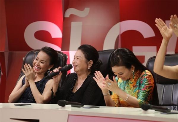 Mẹ Minh Tuyết lập kỷ lục 4 lần không nhận ra giọng con gái-2