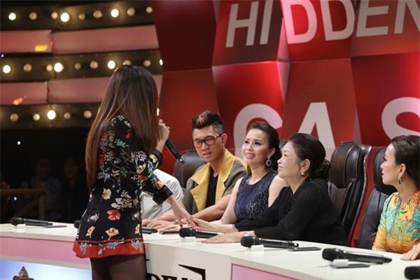 Mẹ Minh Tuyết lập kỷ lục 4 lần không nhận ra giọng con gái-4