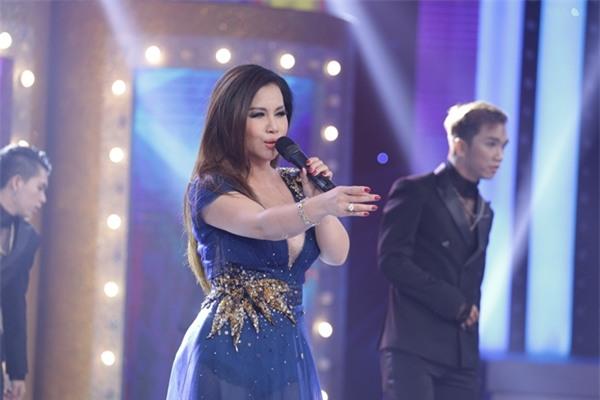Mẹ Minh Tuyết lập kỷ lục 4 lần không nhận ra giọng con gái-7