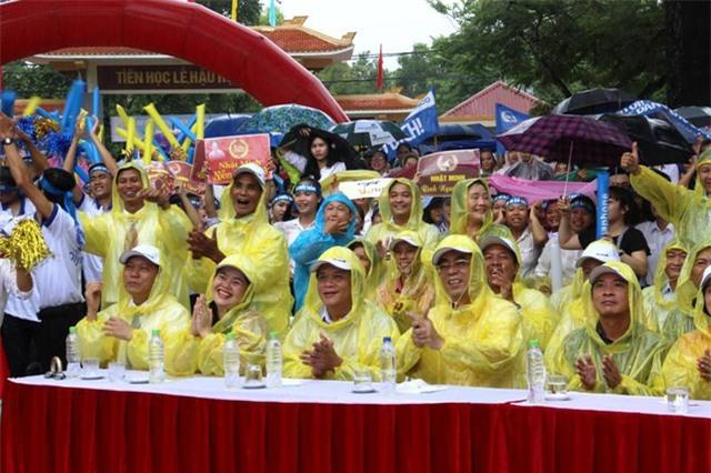 Niềm vui tại điểm cầu Quảng Trị sau khi Nhật Minh giải mã được từ khóa.