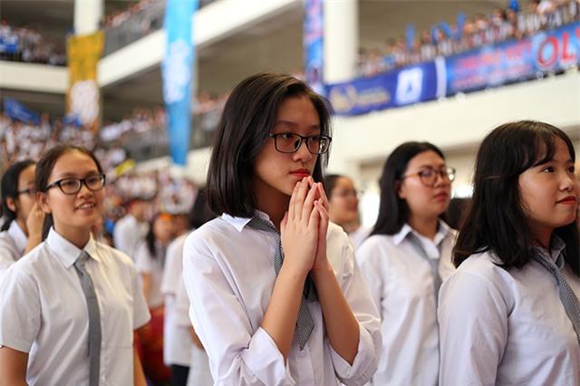 ...nhưng thẫn thờ, tiếc nuối khi Huy Hoàng không kịp vượt Phan Đăng Nhật Minh
