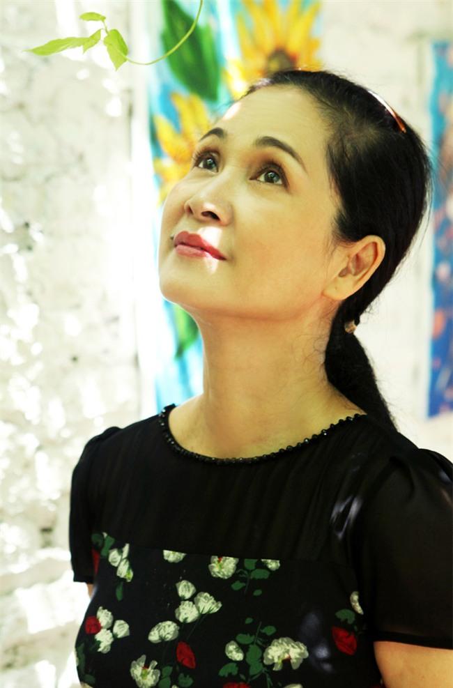 """khong ngo cuoc song ngoai doi cua """"me chong ghe nhat vinh bac bo"""" lai the nay - 1"""