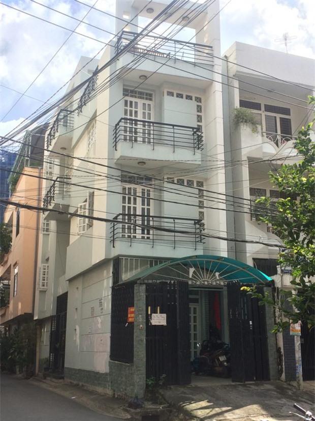 Lật tẩy thủ đoạn chủ nhà trọ dùng hợp đồng ma lừa tiền đặt cọc của sinh viên ở Sài Gòn - Ảnh 2.
