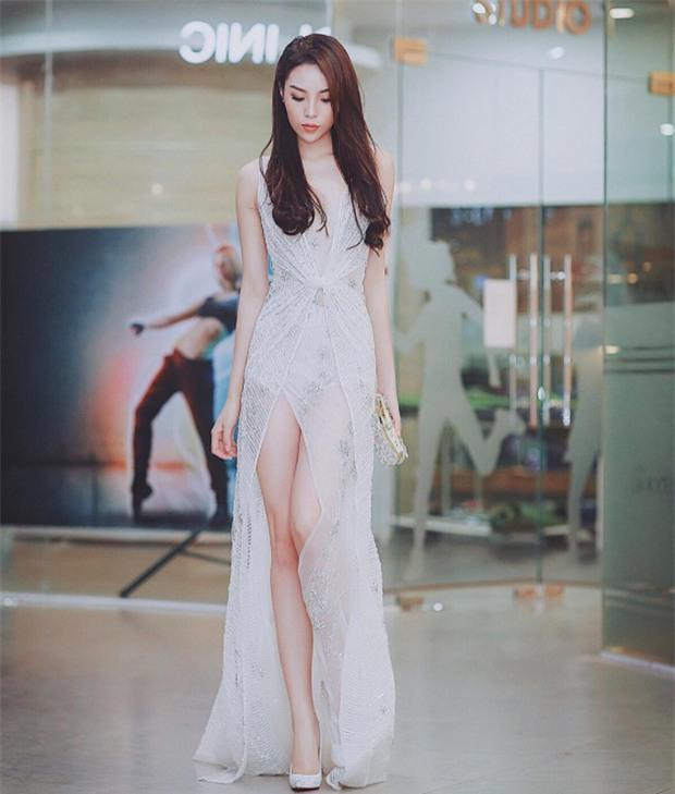 Xem clip không photoshop mới thấy đôi chân tỷ lệ vàng của Kỳ Duyên chẳng xinh như tưởng tượng! - Ảnh 3.