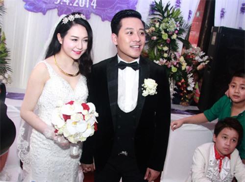 Hương Baby vợ ca sĩ Tuấn Hưng, từ cô PG đen nhẻm tới nữ doanh nhân gợi cảm, sành điệu - Ảnh 1.