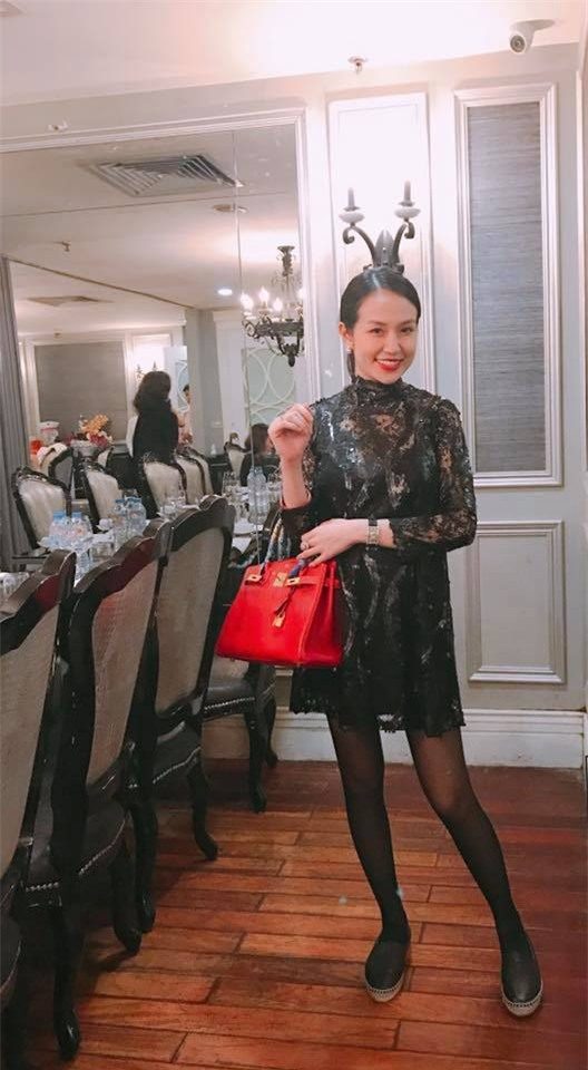 Hương Baby vợ ca sĩ Tuấn Hưng, từ cô PG đen nhẻm tới nữ doanh nhân gợi cảm, sành điệu - Ảnh 12.
