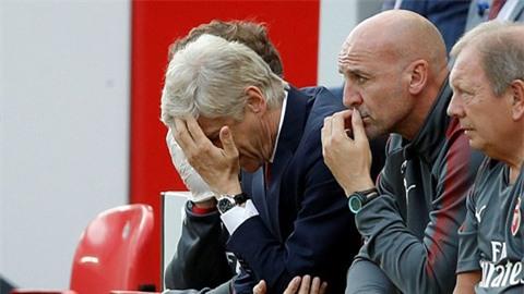 Souness tin Wenger đáng bị sa thải