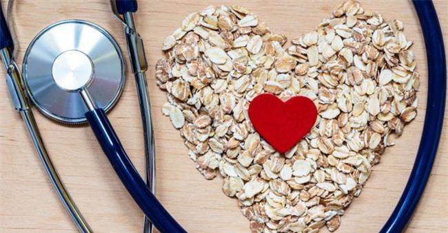 Giảm cholesterol với những phương pháp tự nhiên đơn giản, ngăn chặn bệnh tim mạch - Ảnh 1.