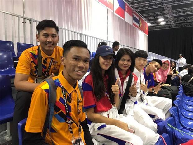 Vẻ đẹp lai của hot girl Taekwondo Campuchia gây sốt tại SEA Games 29 - Ảnh 4.