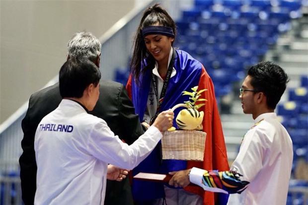 Vẻ đẹp lai của hot girl Taekwondo Campuchia gây sốt tại SEA Games 29 - Ảnh 5.