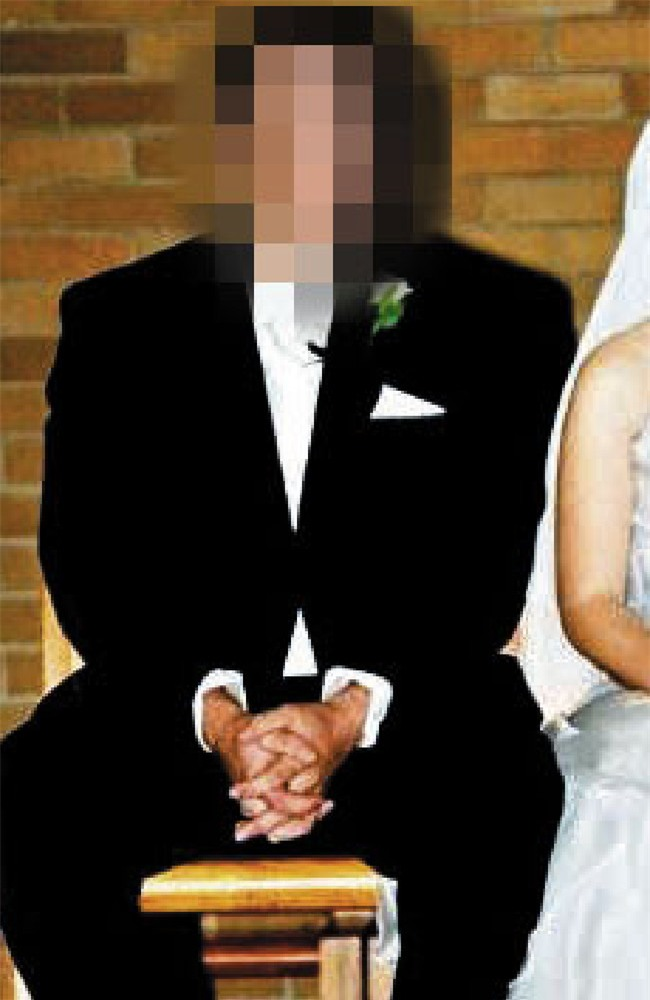 Xem điện thoại của chồng, vợ chết lặng khi phát hiện tội ác của chồng với bé gái 12 tuổi - Ảnh 1.
