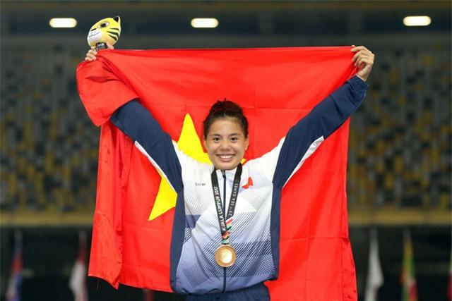 Tưởng như bị loại ngay trước thềm SEA Games 29, nhưng Nguyễn Thị Huyền vẫn kịp trở lại và lập nên kỷ lục mới (ảnh: Q.H)
