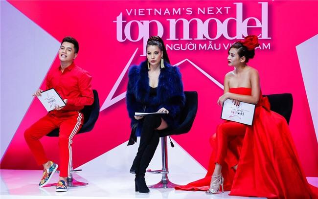 Nam Trung: 'Mot chiec vay khong the danh gia dan ong hay dan ba' hinh anh 2