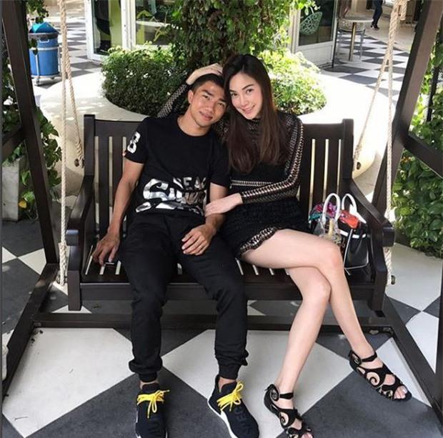 Messi Thái Chanathip khoe bạn gái người mẫu xinh đẹp - Ảnh 5.