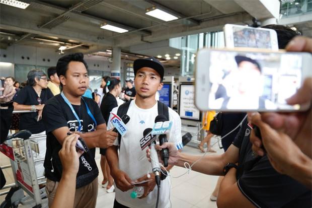 Messi Thái Chanathip khoe bạn gái người mẫu xinh đẹp - Ảnh 6.